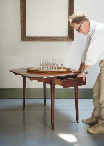 HL4280 – George III Mahogany Pembroke Table-0003