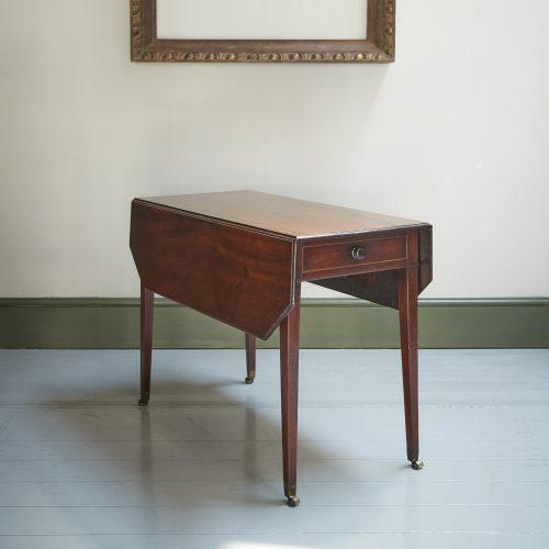 HL4280 – George III Mahogany Pembroke Table-0007