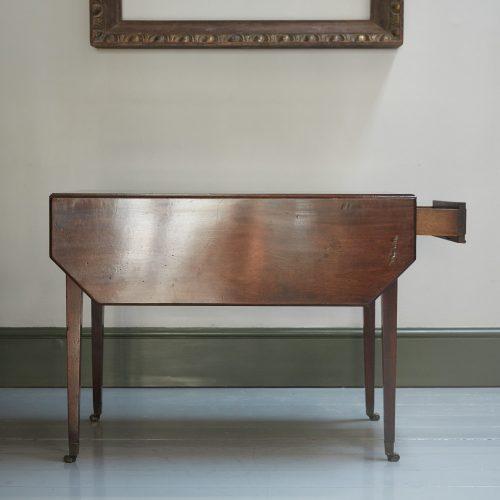 HL4280 – George III Mahogany Pembroke Table-0014