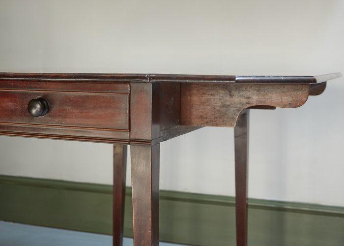 HL4280 – George III Mahogany Pembroke Table-0018