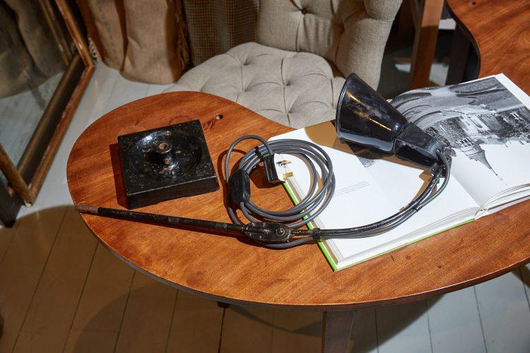 HL4466 – Zonalite Black Walligraph Lamp-0015