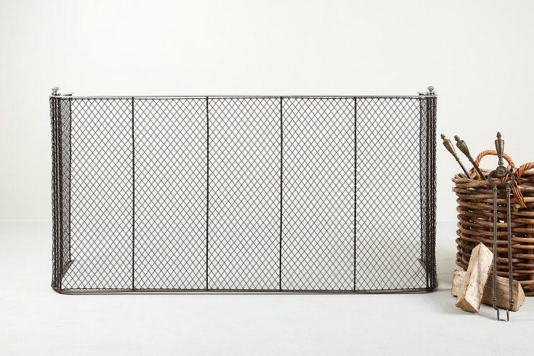 INC0730 – Large Tri-Fold Spark Guard-0002