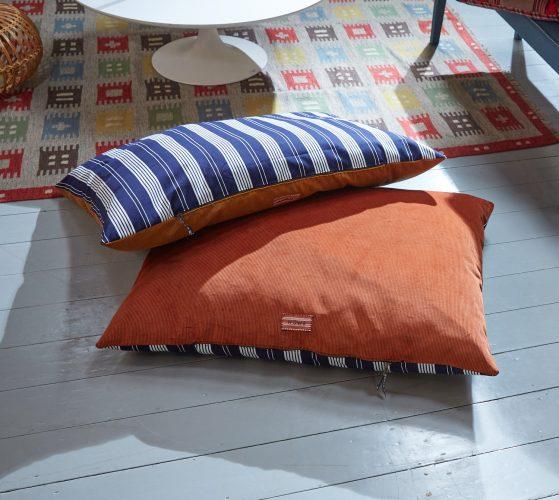 900261 900263 – Large Dog Beds-0003