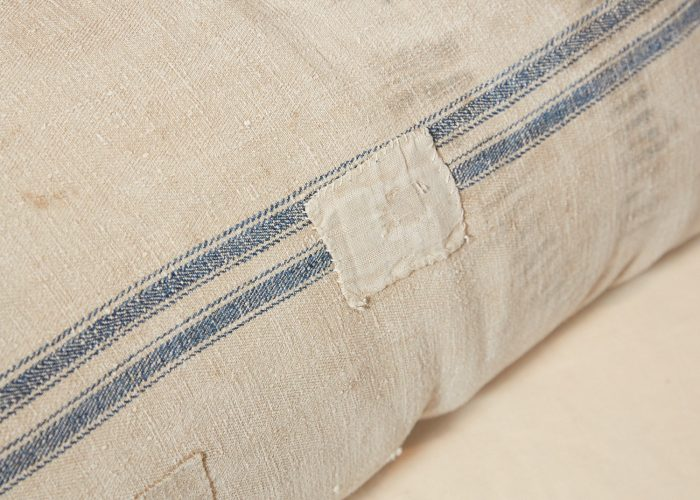 HB900258 – Antique French Linen Grain Sack Cushion-0004