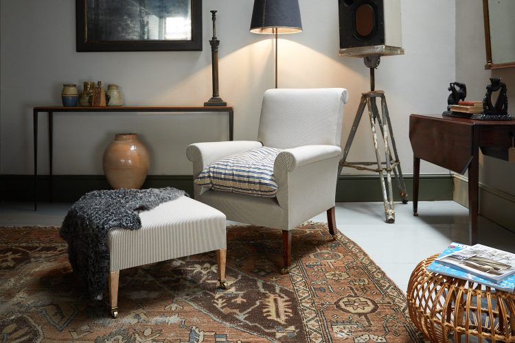 HL2507 – Armchair and Footstool-0007
