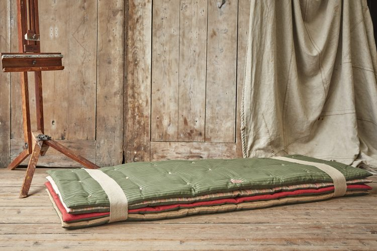 Princess and Pea Dog Bed-0011