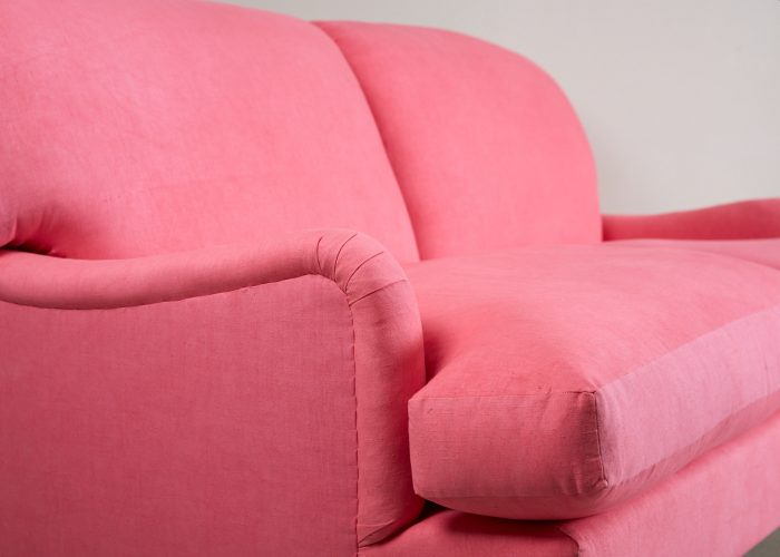 Pink Labrador Settee – Stock-0016