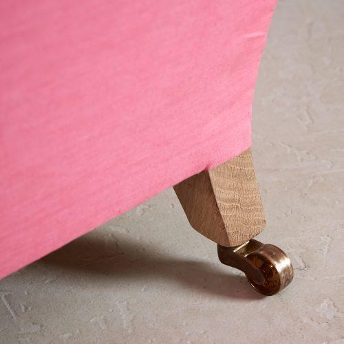 Pink Labrador Settee – Stock-0019