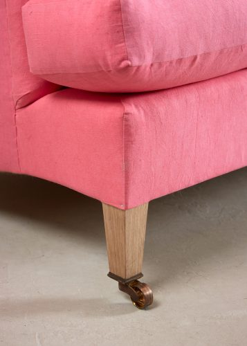 Pink Labrador Settee – Stock-0020