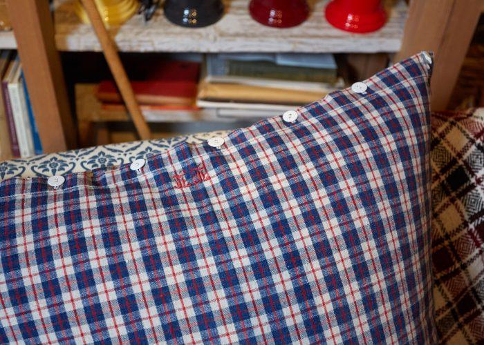 HB900287 – Vintage French Kelsch Floor Cushion-0001