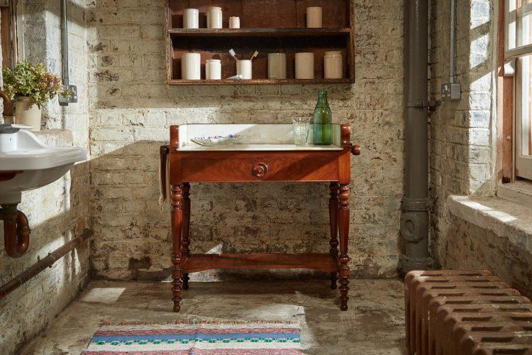 HL4486 – Wash Table-0004