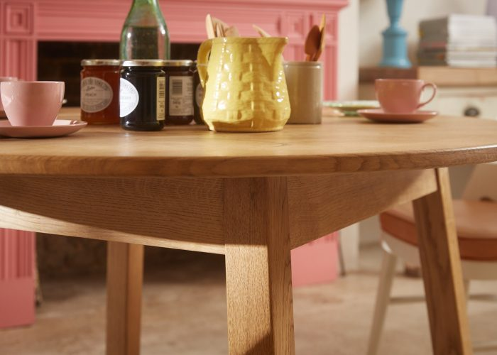 HB900124 – Arts & Crafts Breakfast Table-0007