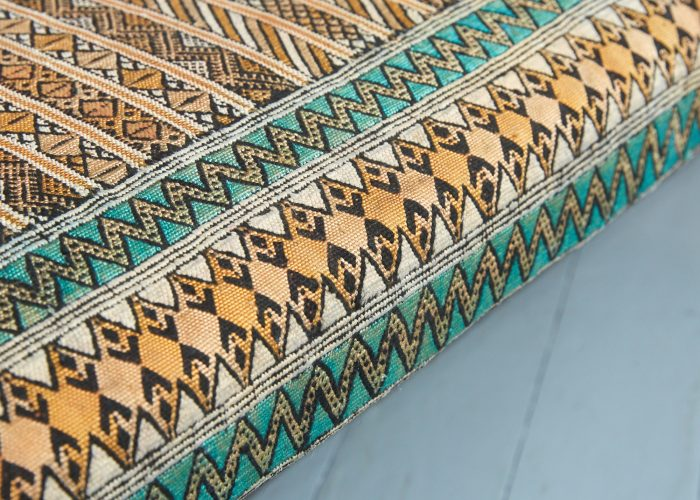 HB900318 – Aladdin Moroccan Rug Stool-0009