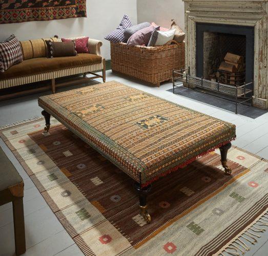 HB900318 – Aladdin Moroccan Rug Stool V3-0002