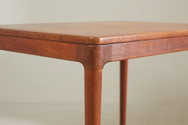 HL4618 – Danish Table-0018
