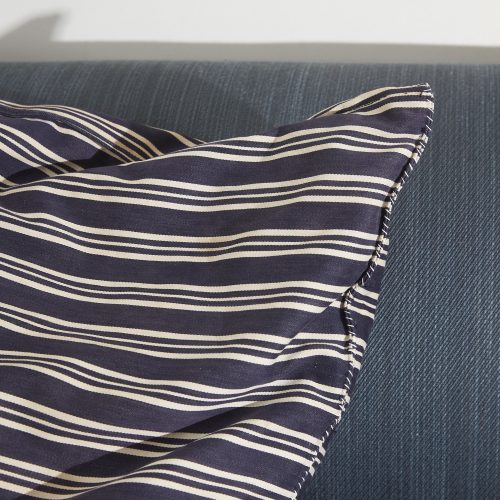 HL4637 – Swedish Cushion-0002