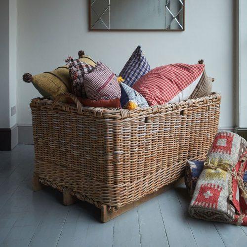 HL4644 – Large-Wicker-Log-Basket-0019