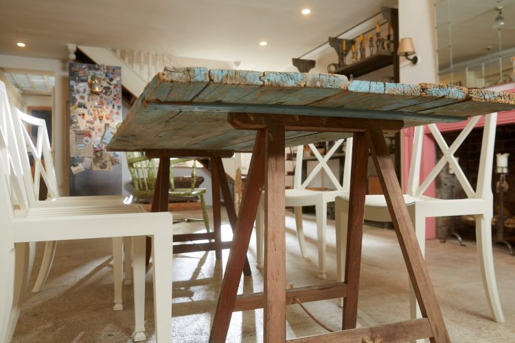 HL4680 – Trestle Table Painted Blue-0025