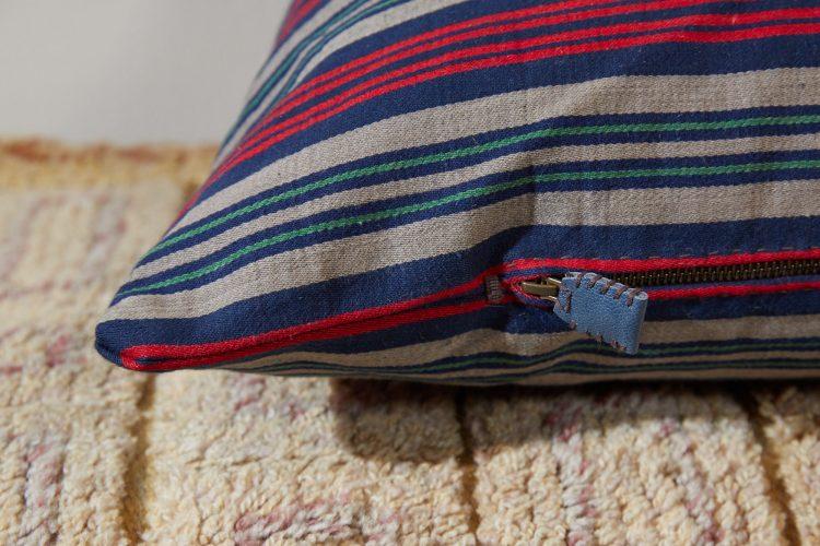 HB900330 – Swedish Ticking Pillow-0013