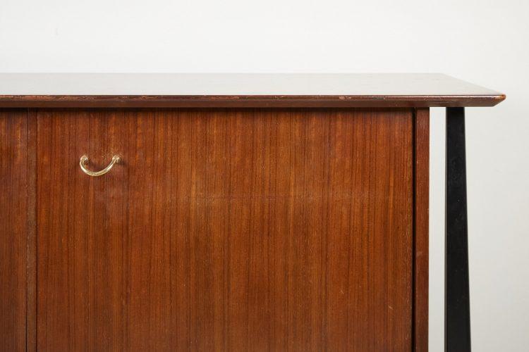 HL221 – Cabinet Scratch-0002
