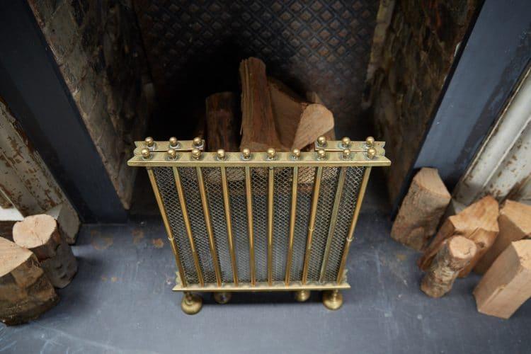 HL4651 – Antique Brass Fire Guard-0006