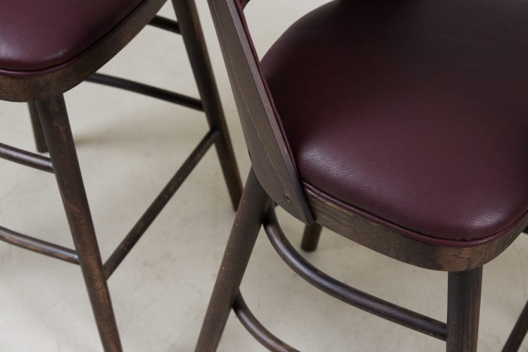 HB900359 – Red Camemberts Bar Stools-0006