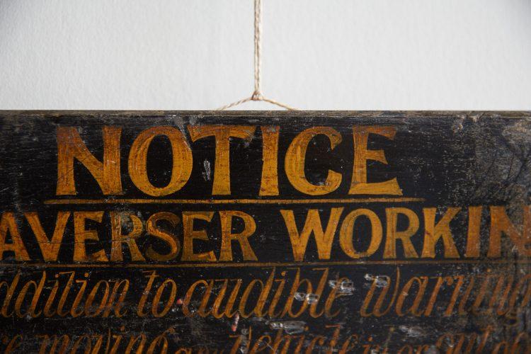 HL4679 – Antique Railway Sign-0010