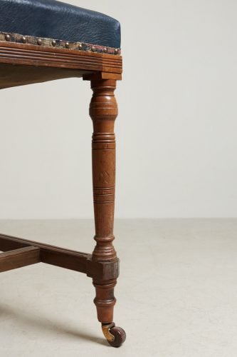 HL1796 – High Backed Leather Bar Stool-0010