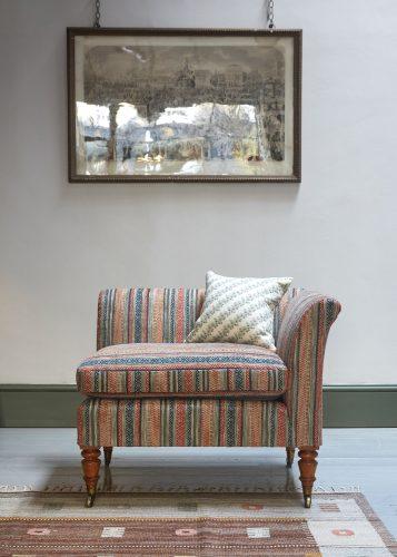 HL4424 – Corner Chair-0002