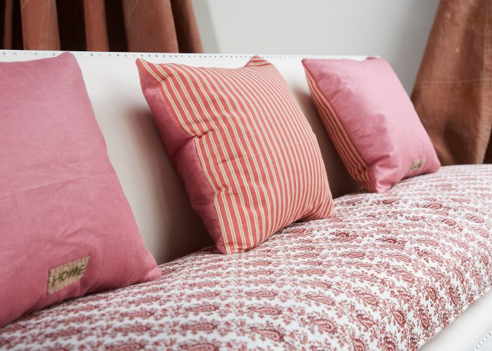 HB900373 – Red Stripe and Pink Linen Cushion-0005