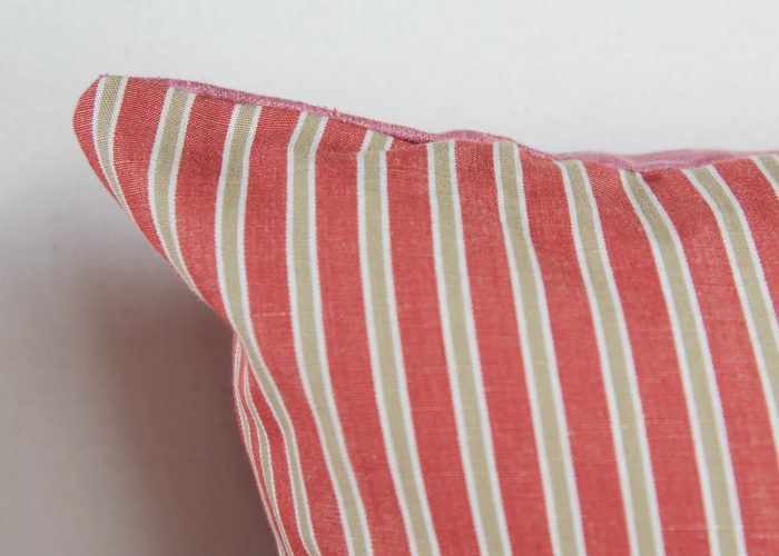 HB900373 – Red Stripe and Pink Linen Cushion-0008