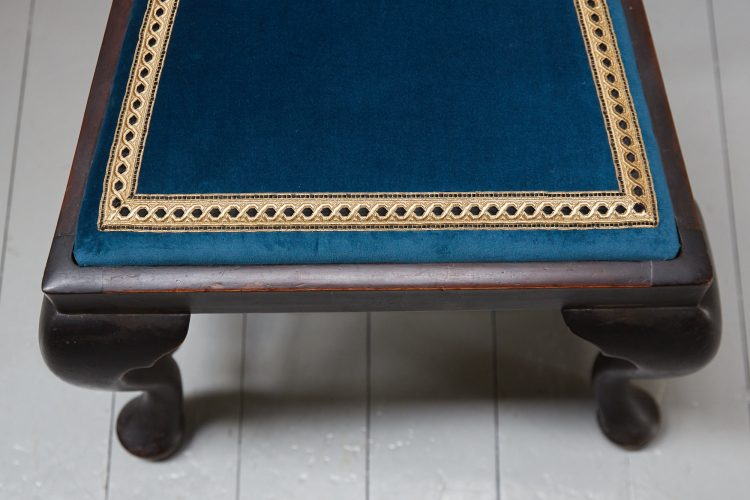 HL3610 – George II Revival Side Chairs-0015