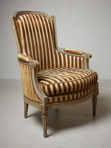 HL4730 – Louis XVI Style Bergère Chair-0001