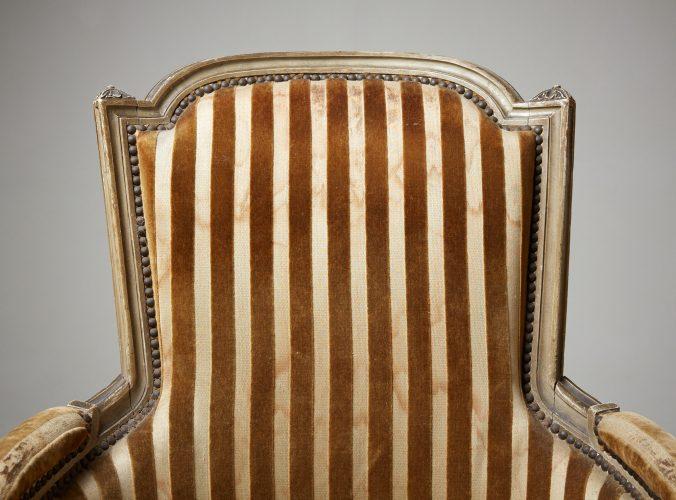 HL4730 – Louis XVI Style Bergère Chair-0010