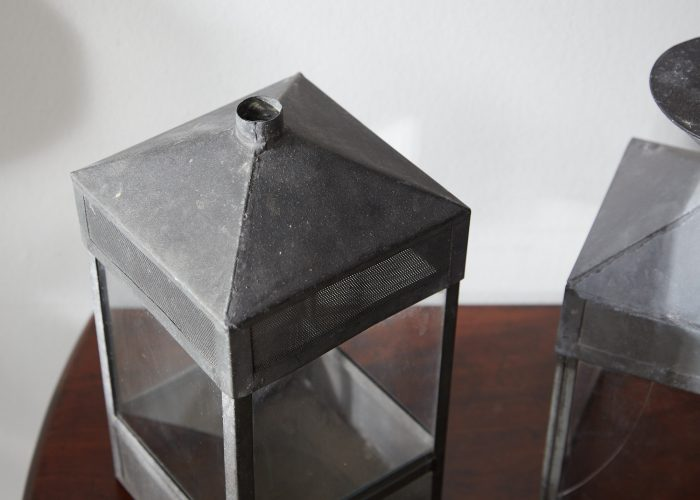 HL4747 – Five decorative glass and steel objects-0006