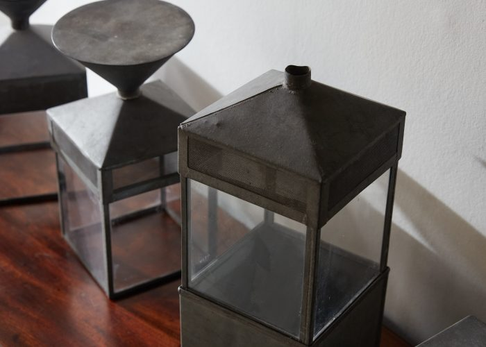 HL4747 – Five decorative glass and steel objects-0008