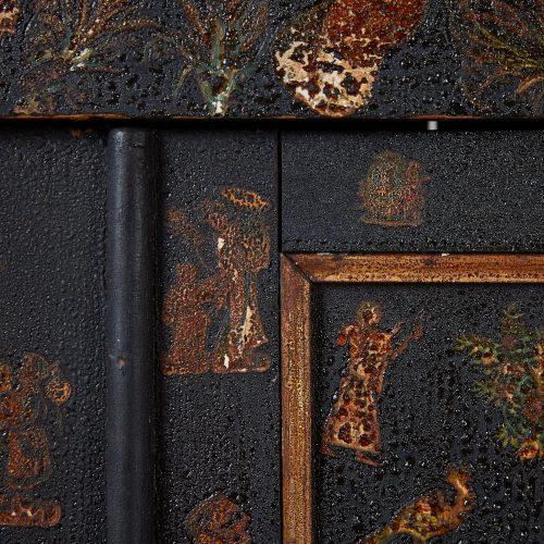 HL4780 – Small Georgian Black Painted Cupboard-0010