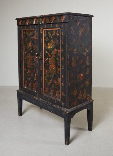 HL4780 – Small Georgian Black Painted Cupboard-0012