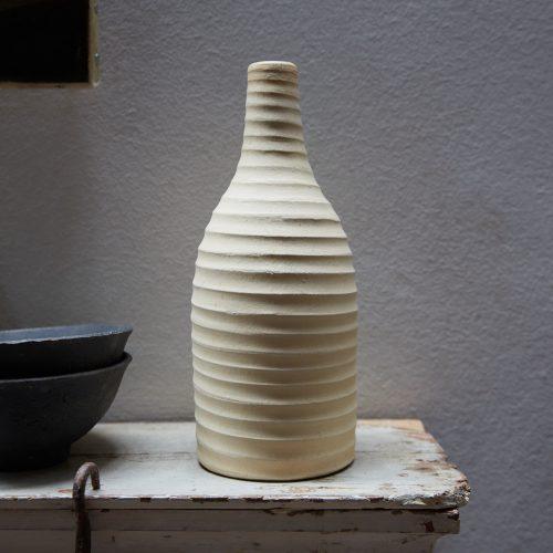 HL4827 – Cream Ribbed Vase-0003