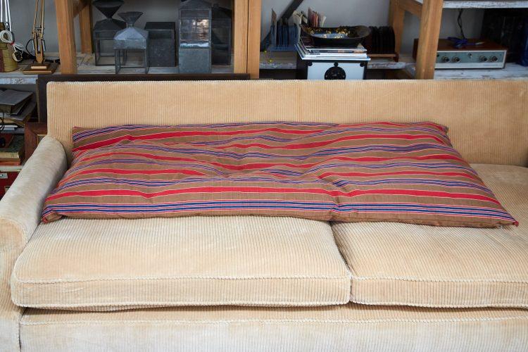HL4858 – Large Brown Swedish Pillow-0003