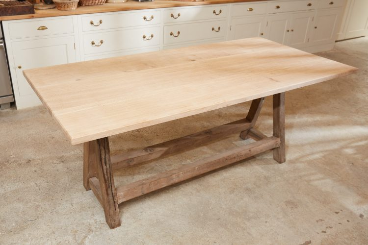 HL4867 – Chunky Trestle Table-0025