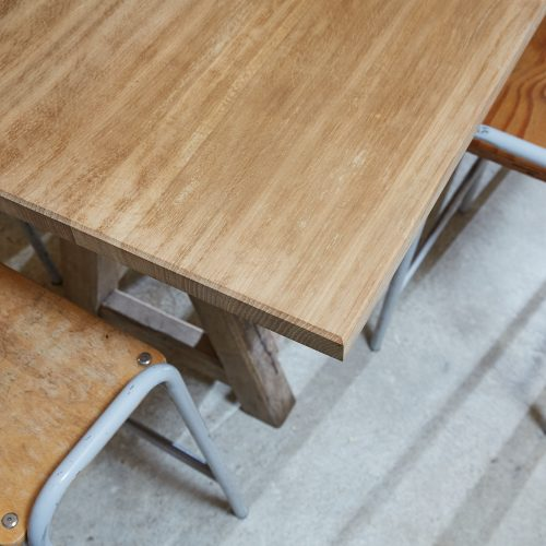 HL4867 – Chunky Trestle Table – Top-0002