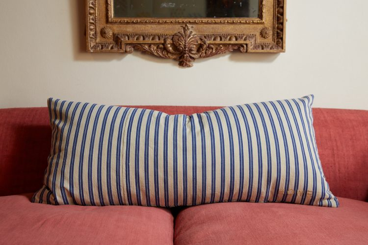 HB900387 – Ticking Pillow-0001