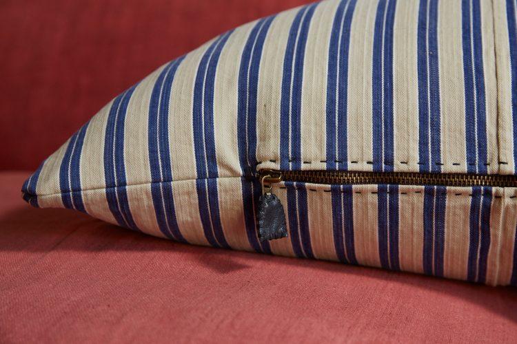 HB900387 – Ticking Pillow-0006