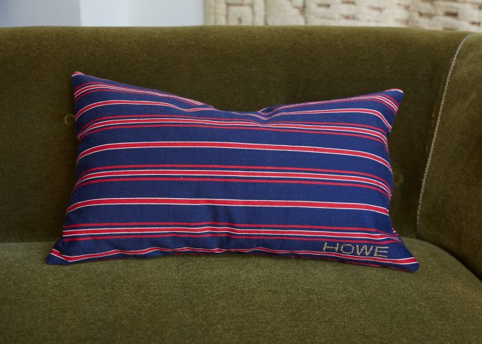 HB900389 – A Pair of Ticking Cushion-0003