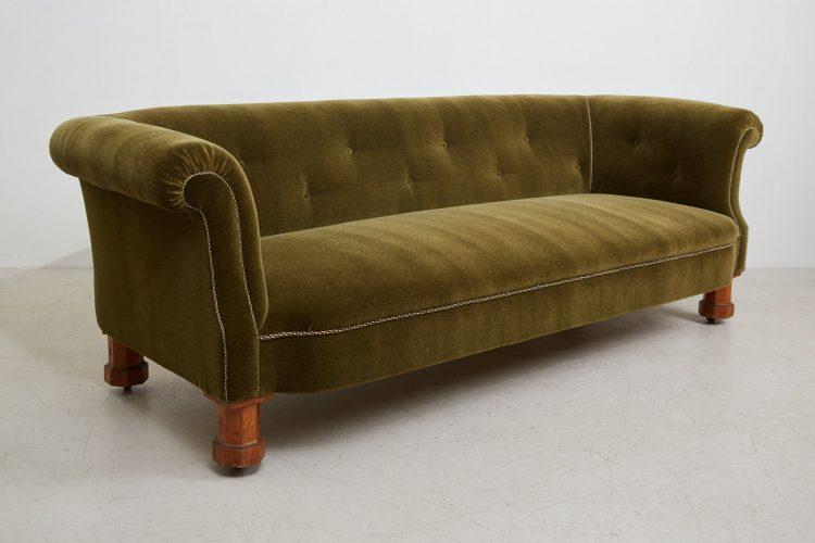 HL4528 – Victorian CHesterfield Sofa-0001