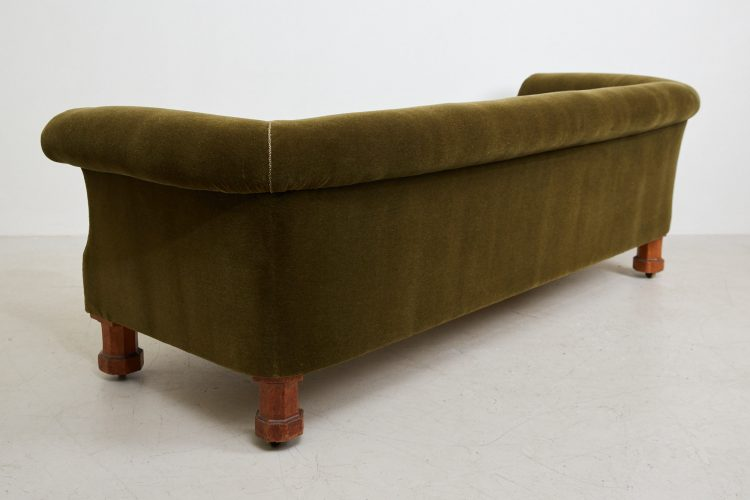 HL4528 – Victorian CHesterfield Sofa-0014