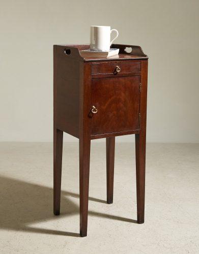 HL4875 – George III Mahogany Pot Cupboard-0004