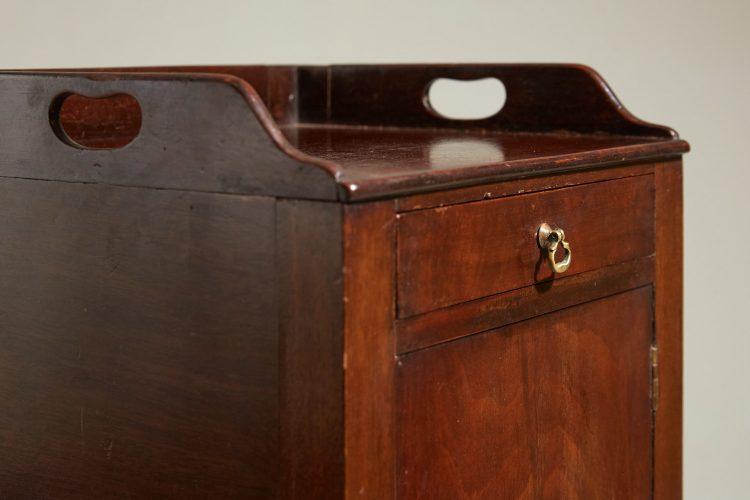 HL4875 – George III Mahogany Pot Cupboard-0011
