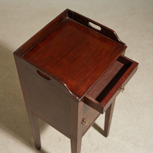 HL4875 – George III Mahogany Pot Cupboard-0013